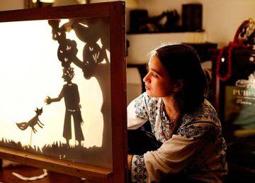 Beatrice Iordan, artist păpușar: Lumea e speriată de tehnologie, în loc să învețe tânăra generație cum să o folosească